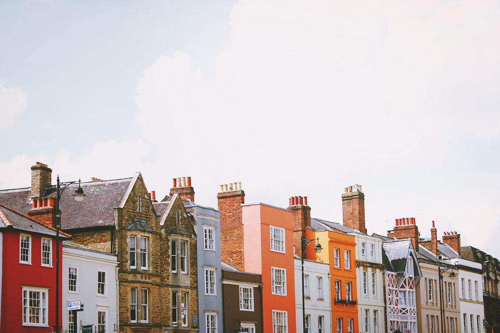 Houses & Flats